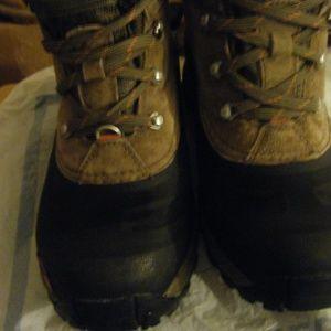 The NorthFace Chilkat III Boot- Men's size 8
